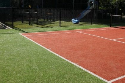 kunstgras tennisbaan